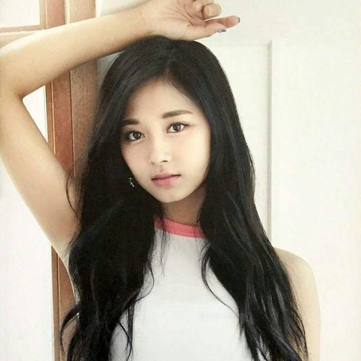 So pretty  I like her black hairs  #tzuyu #twice #once #kpoplover #kpop #kpopmusic #jyp #jypentertainment #koreangirls #girlgroup #jihyo #momo #nayeon #sana #jungyeon #chaeyoung #mina #dahyun