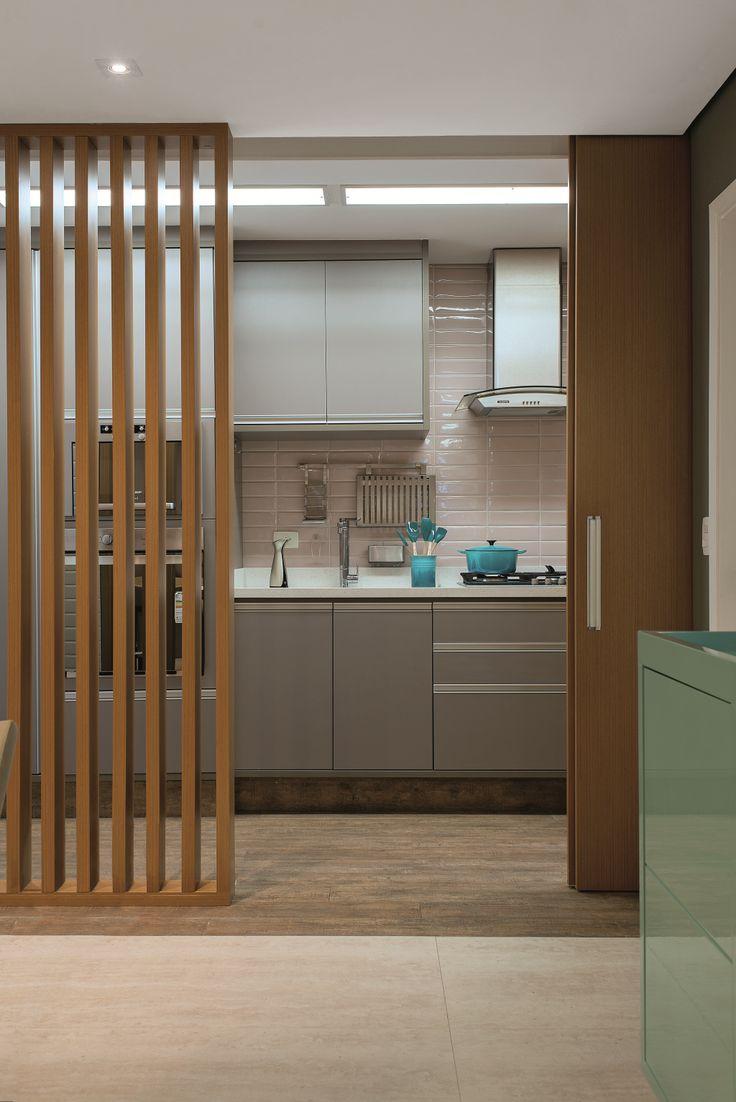 Apartamento com ambientes integrados e decoração elegante   Minha Casa
