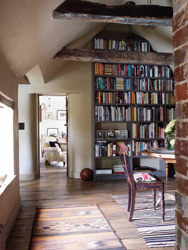 Eckensfield: Саут-Даунс кремень интерьер дома
