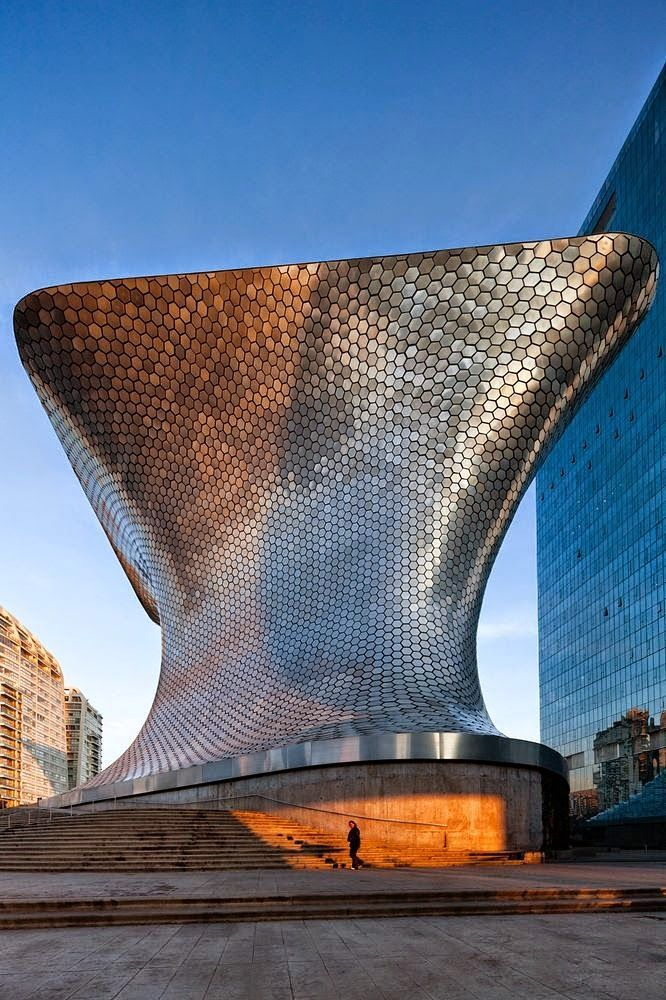 Catch the sunset at Museo Soumaya in Mexico City.