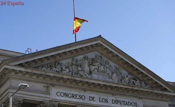 Una orden de Defensa manda ondear la bandera española a media asta en Semana Santa