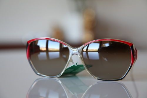 Polaroid-Vintage-Crystal-Frame-Red-Black-Dark-Golden-Polarizing-Lenses-ITALY