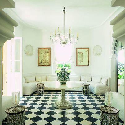 salon marocain at pierre bergs villa lon lafricain - Decoration Triate Du Salon Beldi