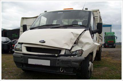 Karosszériás munkára szorul furgonja? Keressen minket bátran.  http://furgonszerviz.com/