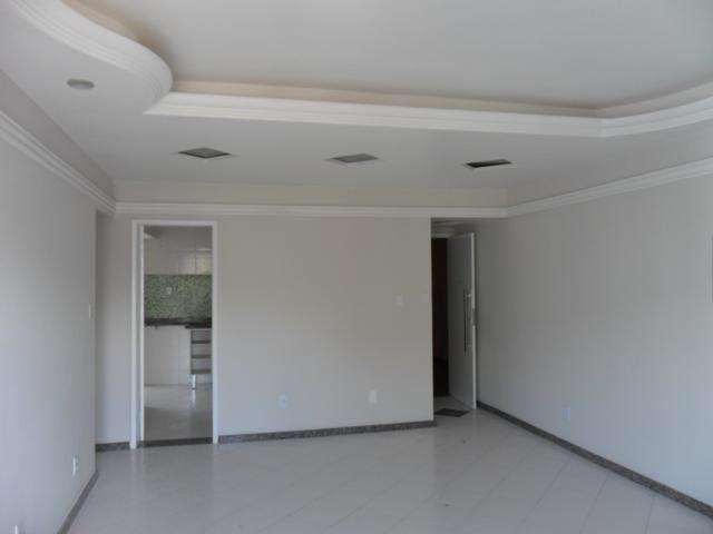 Apartamento com 3 Quartos para Alugar, 100 m² por R$ 800/Mês Avenida Francisco Porto, 239 Treze de Julho, Aracaju, SE, Foto 0, Foto 0