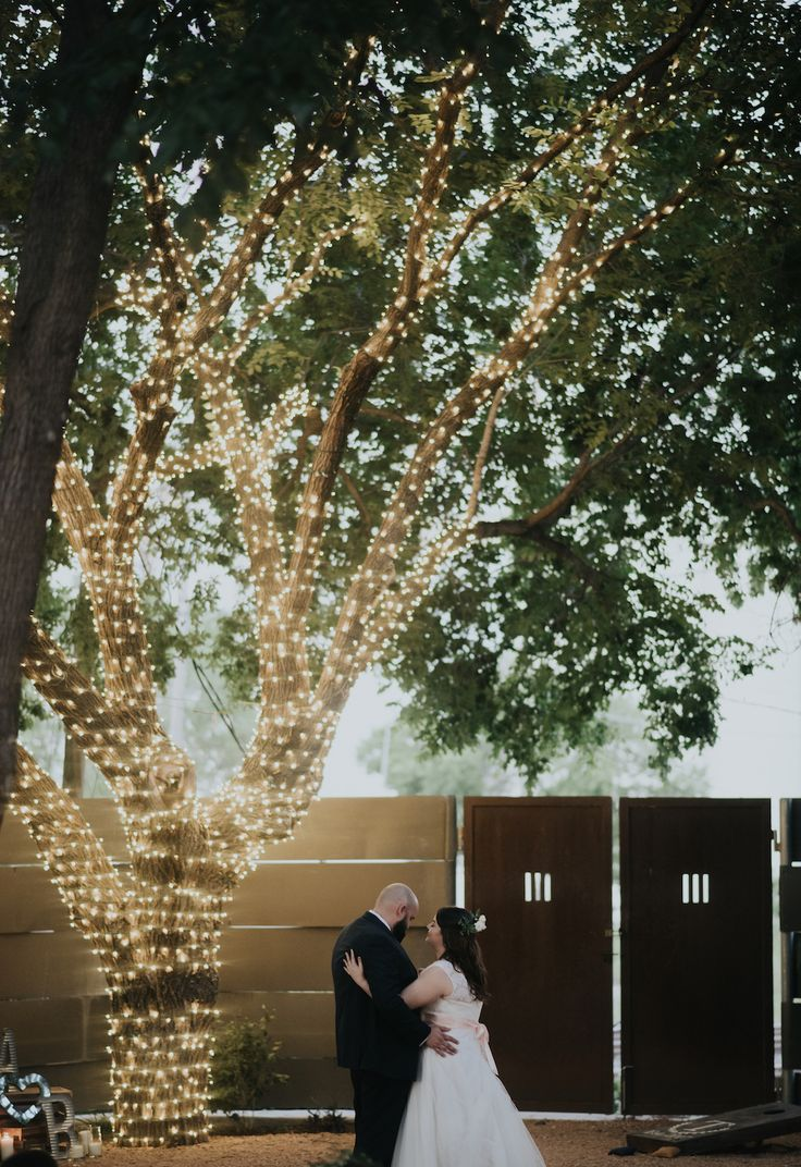 outdoor wedding venues in fort worth tx%0A Fort Worth Wedding Venue   Artspace      First Dance   Nine Photography     artspace
