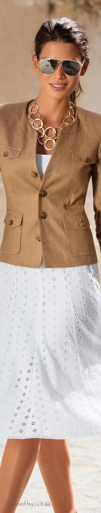 Camel and white is such a chic colour combination for summer. #officewear. via #thedailystyle.