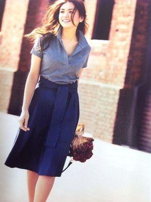 ラコステのポロをスキッパー風に♡ おすすめのスキッパーシャツコーデ。人気の高いトレンドファッションの参考一覧。