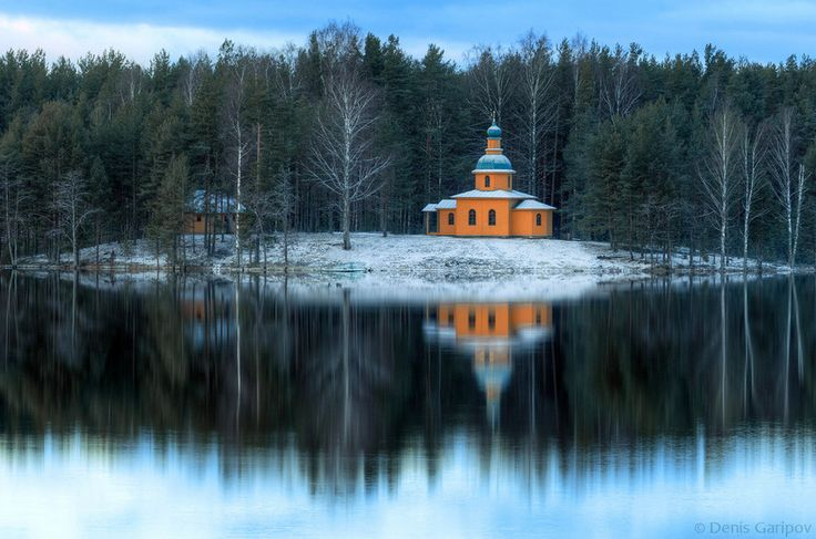 Фото: Денис Гарипов, Церковь Пантелеимона на Рощинском озере
