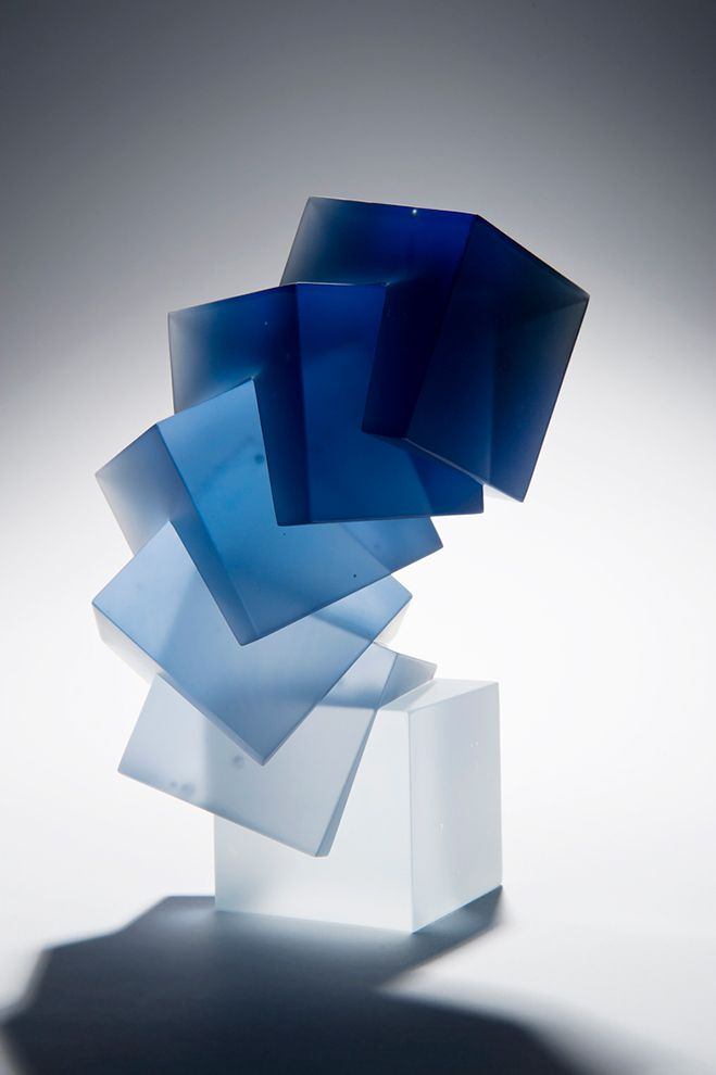 Colour, Form and Light – Solid Transparent Glass Sculpture by Heike Brachlow. See more on OEN Blog - http://the189.com/sculpture/colour-form-and-light-solid-transparent-glass-sculpture-by-heike-brachlow/