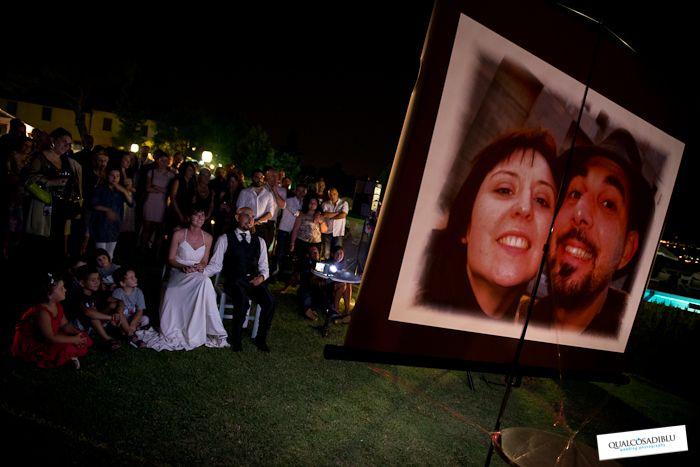 Durante i matrimoni ci sono momenti divertenti e momenti commoventi da condividere con i propri amici. Guardate questa selezione di fotografie di Qualcosa di Blu wedding photography. #sposo #sposa #matrimonio