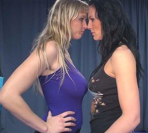 Lesbians catfights
