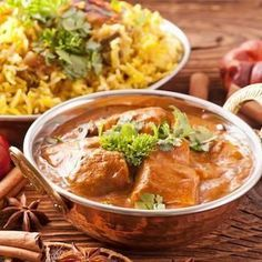 Low FODMAP Chicken Vindaloo curry, one of the spiciest Indian curries. Many IBS sufferers are bothered by the onion and garlic in the dish, not the spices.