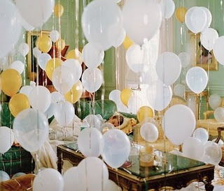 balloons galoreHappy Birthday, Balloons Parties, Birthday Parties, Sweets Dreams, Birthday Traditional, Parties Ideas, Birthday Mornings, Decor Blog, Birthday Surprise