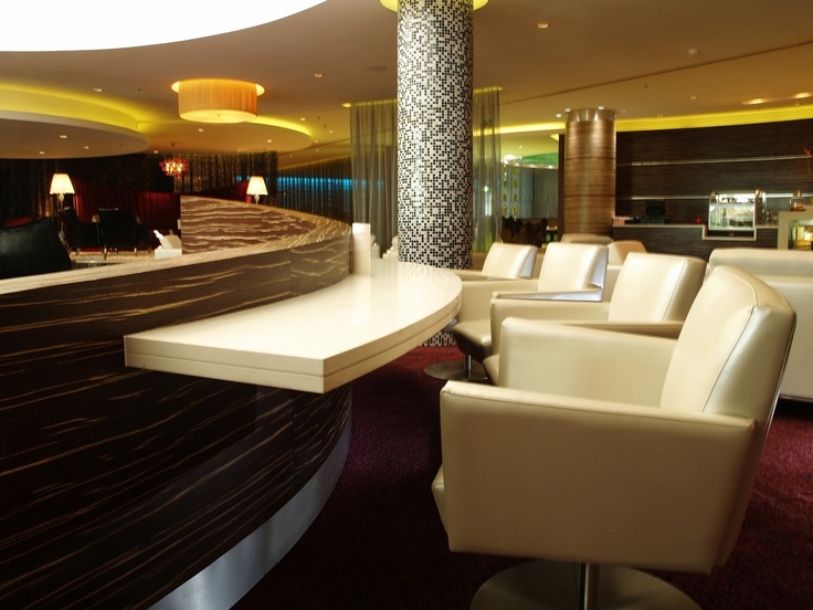 Hotel - Crowne Plaza Johannesburg - Th Rosebank - We have a designated area in our lobby for our business guests that would like to sit in a comfortable area and get some work done.