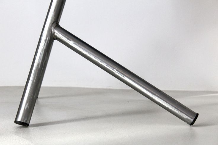 Faust Lambda - A specific work of planning and an analysis of the iron characteristics has allowed us to find the light and harmonic shape of the Faust Lambda Chair. The barrel metal plate has been carefully manually operated so to create a rigid hem that makes the seat curve crushproof. The sanding process of the heavy joints and the manual polishing provides the same industrial intended feeling to this model. Dimension: h 89.5 x 45 x 50 cm #vintage #vlabdesign #vintagechair #madeinitaly