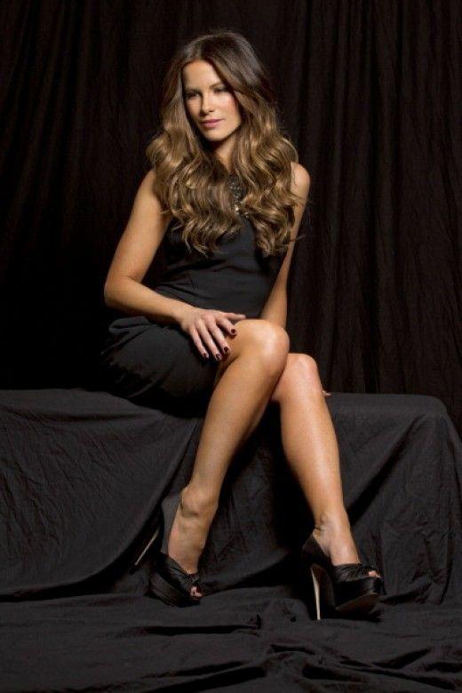 Pin On Celebrity Legs-3054