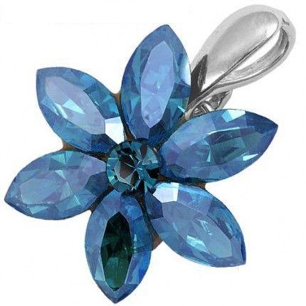 Pandantiv in forma de floare http://www.bijuteriifrumoase.ro/cumpara/navette-flower-10-3076
