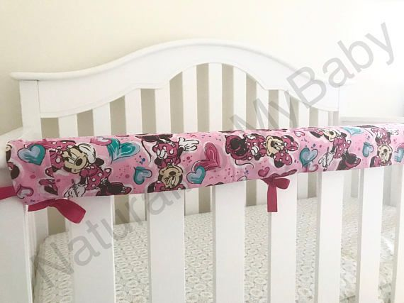 66f266e731432 Reversible Rail Cover Disney Crib Bedding 100% Cotton Minnie Mouse ...