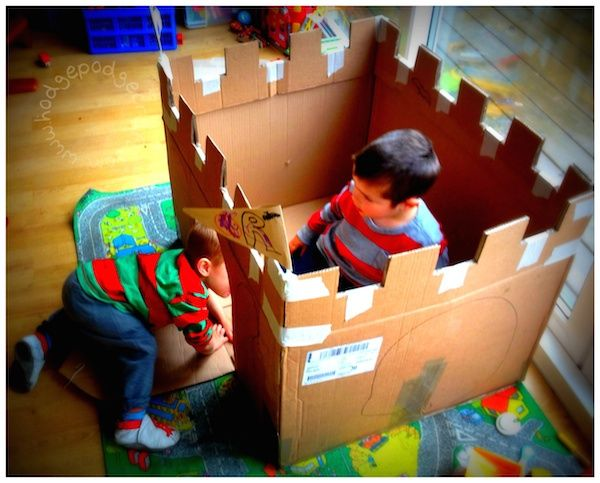 Easy Cardboard Castle tutorial