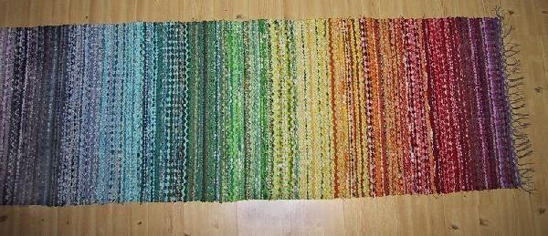Regnbågsmatta, Trasmatta vävd i rosengång, 72 x 200 cm
