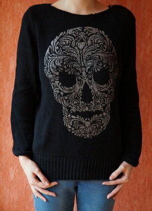 Kaufe meinen Artikel bei #Kleiderkreisel http://www.kleiderkreisel.de/damenmode/strickpullover/143608120-schwarzer-strickpullover-mit-silbernem-totenkopf-aufdruck