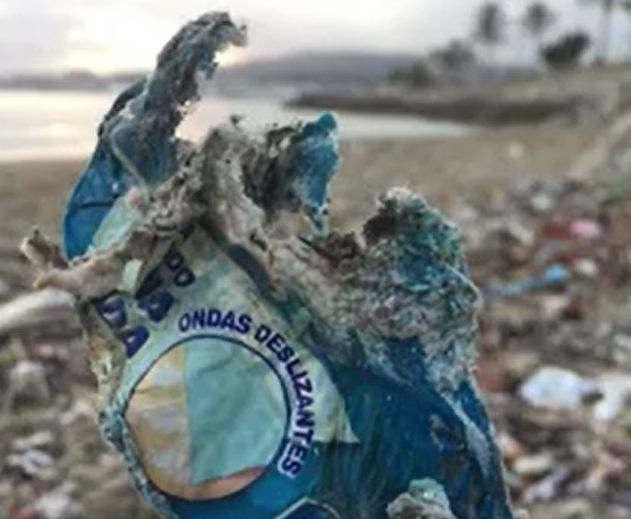 #Mallorca Blue activists post video showing more burned plastic on Palma beach #Mallorca #burned_plastic