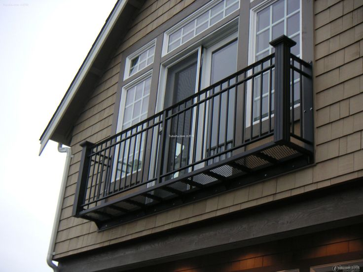 The 25 best iron balcony ideas on pinterest juliette for Terrace railing design