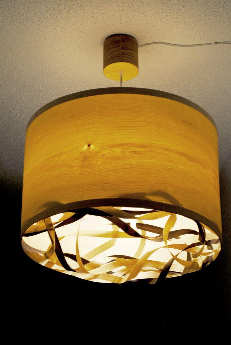 Twist - #handmade #woodlamps #pendantlight #woodenlights #woodwork #veneer #veneerlight #ceiling #design #woodart  Φωτιστικό οροφής από καπλαμά σφένδαμου - καρυδιά και ξύλο πεύκου. Διαθέτει μεταλλικό ντουί και υφασμάτινο καλώδιο. Διαστάσεις: διάμετρος καπέλου 52 εκ., ύψος καπέλου 30 εκ. Ceiling light, made of maple and walnut veneer and pinewood. Comes with fabric power cable and metal lamp holder. Dimensions: Diameter 52 cm, Height 30 cm
