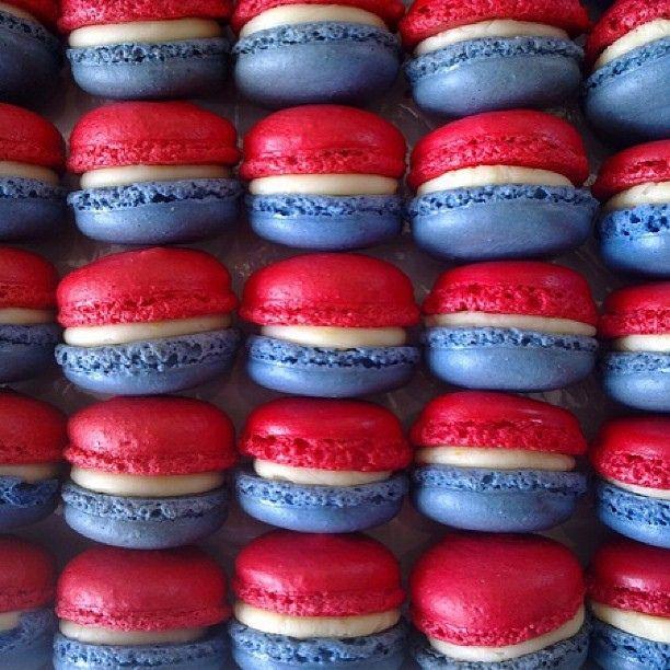 Rood-wite-blauwe macarons