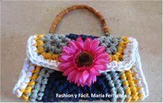 Fashion y Fácil DIY: ¿Cómo tejer un clutch o cartera tipo sobre fácil con trapillo? Eco DIY (How to crochet an easy clutch with t-shirt yarn?)