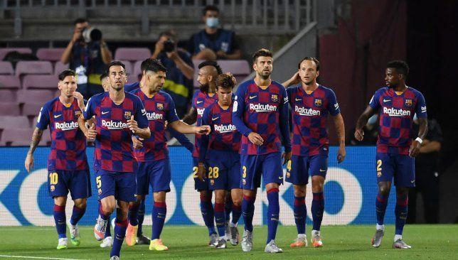 سيتيين يعلن عن قائمة برشلونة الرسمية لمباراة فياريال Soccer Sports Soccer Field