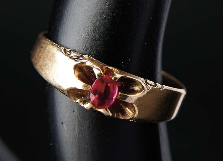Liefde, Shirley Temple, Take Two: Van Schoolmeisje naar Storybook: 76 14 karaat gouden ring gedragen door Shirley Temple