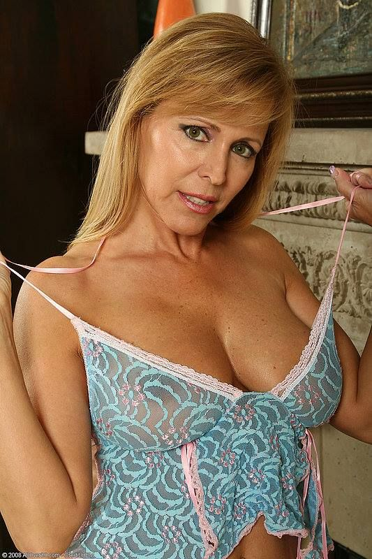 wedron mature women dating site Lonely cheating wives – us based milf and mature hookup site  100% free sex dating includes those site out  and actually try to get to know some women.