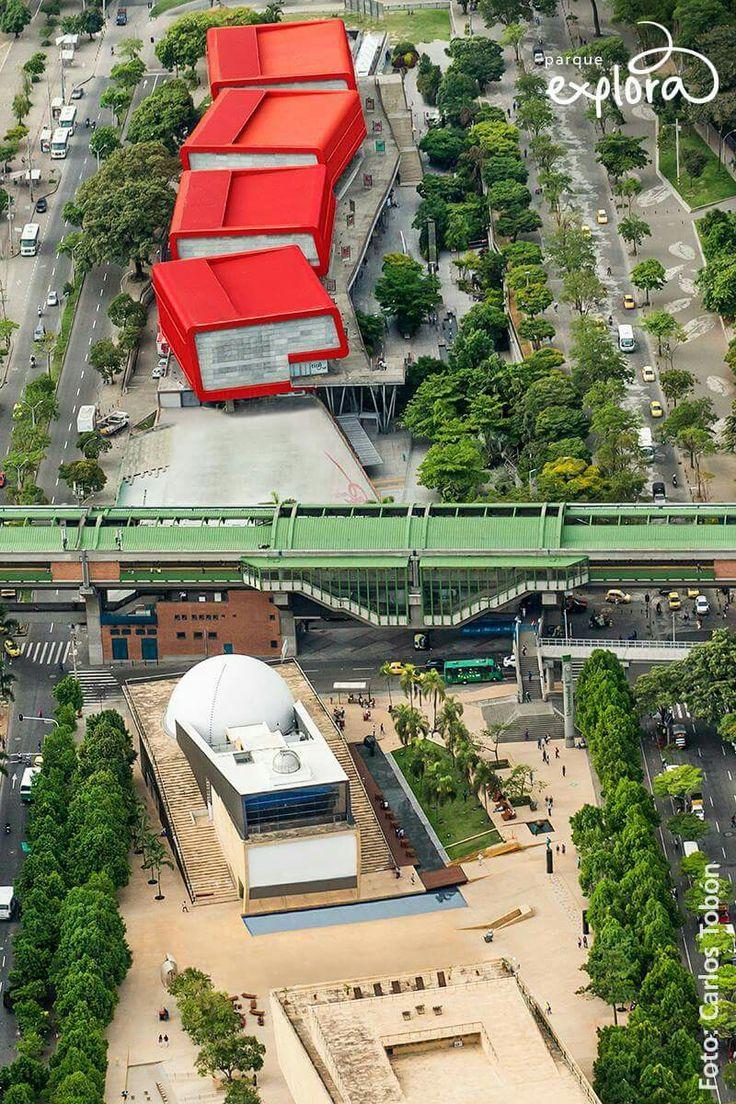 Parque Explora. Parque de los Deseos. Casa de la Música. Planetario de Medellín. Metro de Medellín