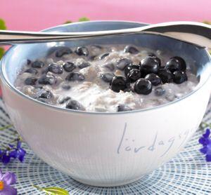 Banaani-Mustikka Tuorepuuro Banana-blueberry porridge