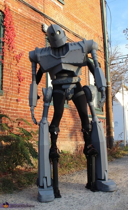 The Iron Giant - DIY Halloween Costume