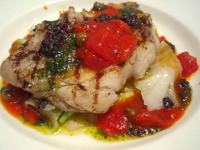 シラノ・ド・ベルジュラック - 本日の築地市場からの魚料理(黒鯛のポワレ)