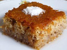 Kadayıflı kek tatlısı. İlginç bir tatlı tarifi paylaşacağım bu gün. Tarif Türkiye den, Suna ablamdan. Uzun zaman önce ablamla telefon...