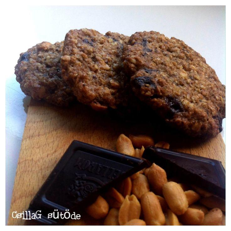 Az utóbbi időben ez a keksz a kedvencünk. Az alapreceptet többféle módon variálom. (csoki, napraforgómag, aszalt gyümölcsök, mogyoró)  Ebből...