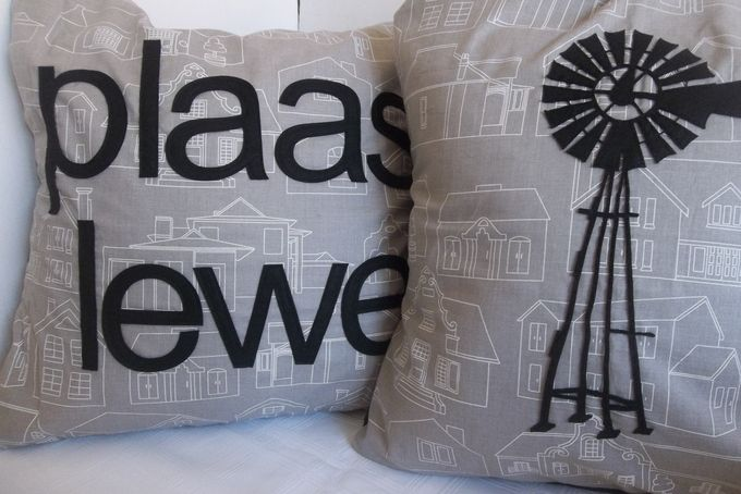 Plaas Lewe Kussing by Patch A Pouch
