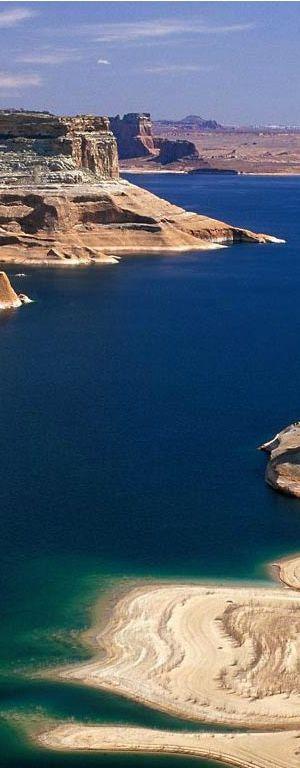 Reasons Celebrities Love Vacations at Lake Powell Beautiful Lake Powell #Arizona // Larry Miller Scottsdale