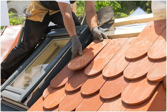 Those who have studied roof tiles more closely, will have learned that there are amazingly many different variants. When buying, it is important to pay att