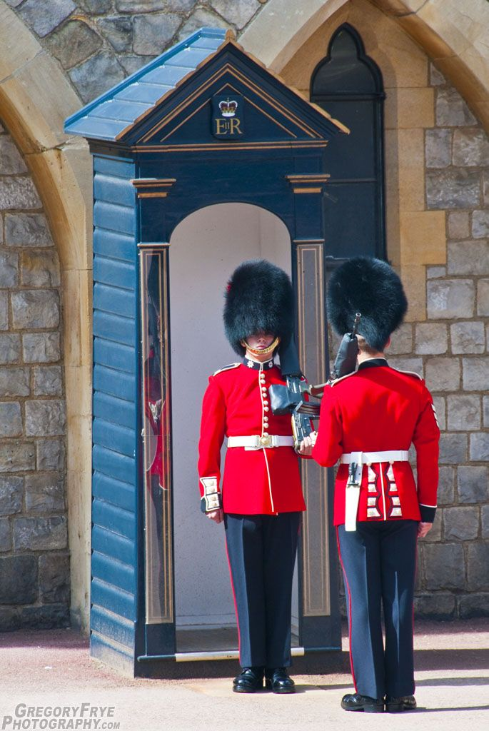 17 Best images about Guards on Pinterest | Irish, Windsor ...