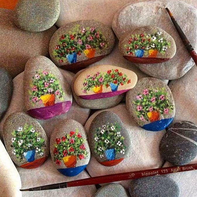❤~Piedras  Pintadas~❤ ♥ ⊰❁⊱                                                                                                                                                                                 Más