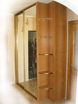 Шкаф купе с полками и дверьми