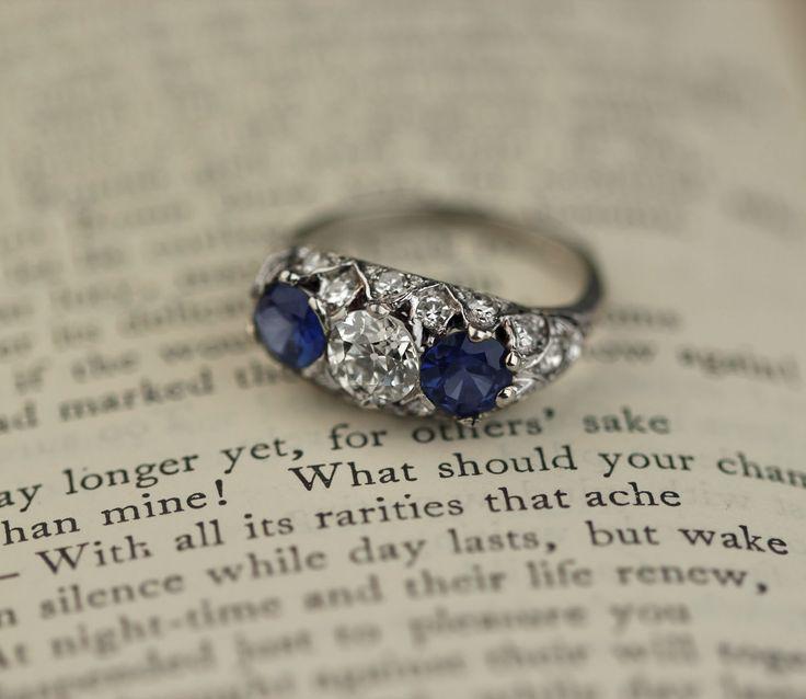Stunning Vintage Edwardian diamond and sapphire three stone ring