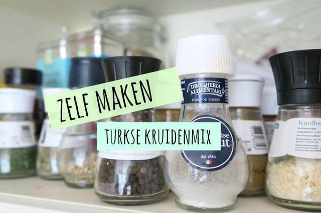 We hebben gemerkt dat onze recepten met kruidenmixen in de smaak vallen. Daarom vandaag weer een kruidenmix voor jullie en deze keer een Turkse kruidenmix. Gebruik deze kruidenmix om je gehakt, varken