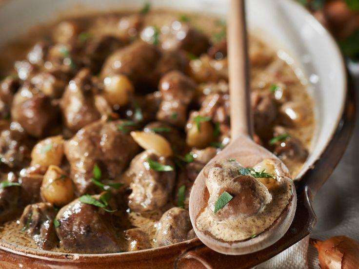 Découvrez la recette Rognons à la normande sur cuisineactuelle.fr.
