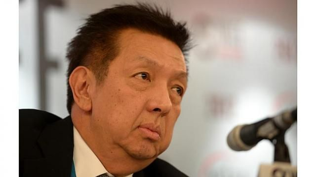 5 things to know about Singapore billionaire Peter Lim and 5 things about Spanish football club Valencia, which he is buying for 420 million euros (S$720 million).  http://www.straitstimes.com/news/sport/football/story/5-things-about-peter-lim-and-his-new-football-club-valencia-20140518 Photo: The Straits Times